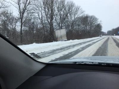 На Буковині дороги від снігу чистять майже 40 машин