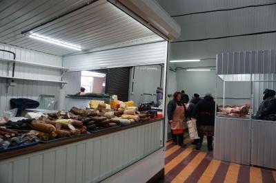 У Чернівцях відбудували згорілий павільйон на ринку «Нижній» – фото
