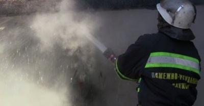 На Буковині горів житловий будинок: власники прокинулись від запаху диму - фото