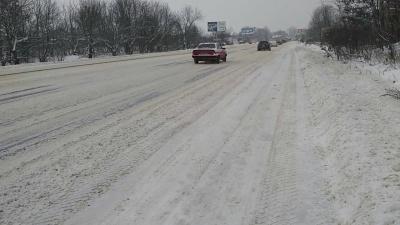Снігова негода на Буковині. У поліції розповіли про стан на головних автотрасах