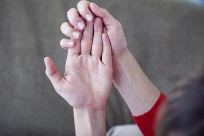 Довжина пальців людини пов'язана з її добробутом