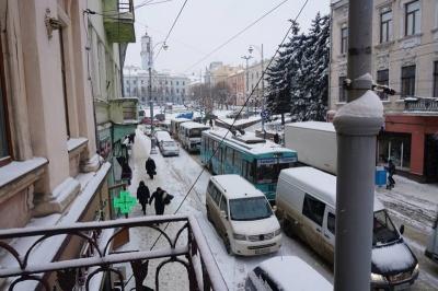 «Зауважень не було»: що відповіли у Чернівецькій міськраді на петицію про покарання посадовців за неприбраний сніг