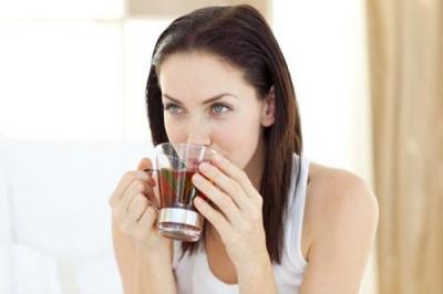 Чай чи кава: який напій корисніший для жінок