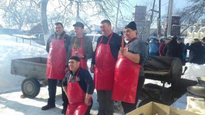 «Помана по свині»: на Буковині провели давній румунський обряд - фото