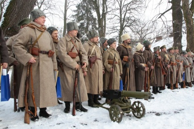 В Україні сьогодні відзначають 101 річницю бою під Крутами