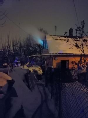 У Чернівцях загорівся житловий будинок - фото