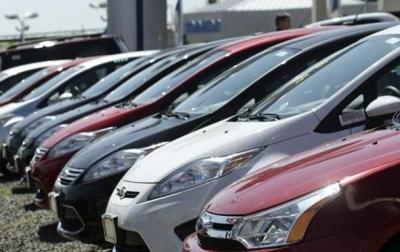 На Буковині власники дорогих автівок заплатили в бюджети понад 2,2 млн грн податку