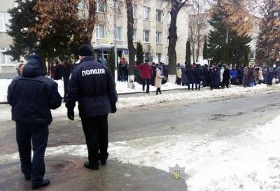 У Заставні під час «молитовного стояння» порушень правопорядку не зафіксовано – поліція