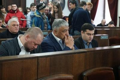 Чинушу дали в оренду на 15 років землю під ринком «Буковинський»