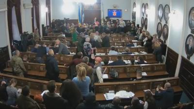 Підприємці ринку «Буковинський» заблокували президію в міськраді