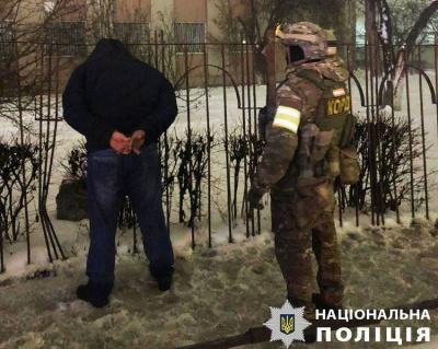 У Чернівцях чоловік за 500 доларів намагався підкупити поліцейського – фото