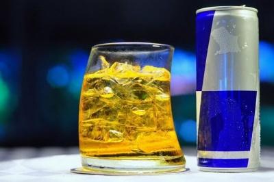 Які напої є найагресивнішими для шлунку