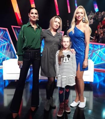 Оля Полякова і Катя Осадча засвітилися в однакових сукнях - фото