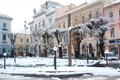 Демонтувати хрест з Центральної площі: у Чернівцях чергова е-петиція набрала голоси
