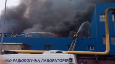 У Києві палають 8 тисяч складських «квадратів» - фото