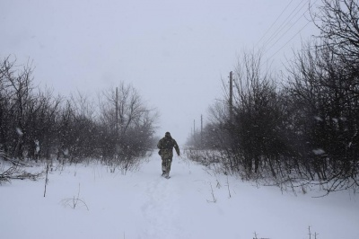 Бойовики на Донбасі обстріляли позиції Об'єднаних сил, одного військового поранено