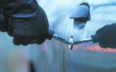 У Чернівцях злодії почали частіше грабувати автівки: як уберегтися