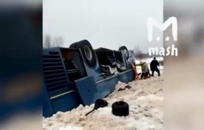 У Росії перекинувся автобус із дитячим ансамблем. Загинули щонайменше 7 осіб