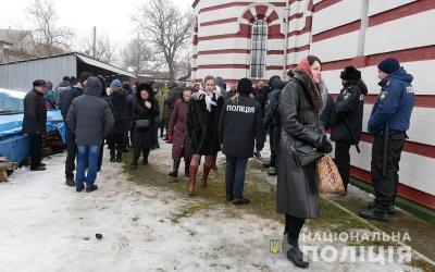 На Буковині поліція не зафіксувала порушень під час зборів громад про перехід до ПЦУ