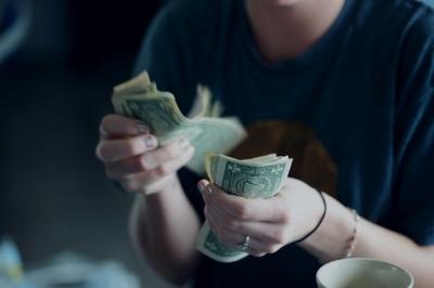 Структура доходов украинцев: откуда деньги