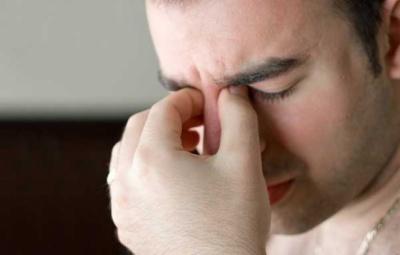 Чому зранку болять очі - відповідь фахівців