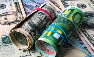 Відсьогодні українці знову можуть купувати валюту онлайн