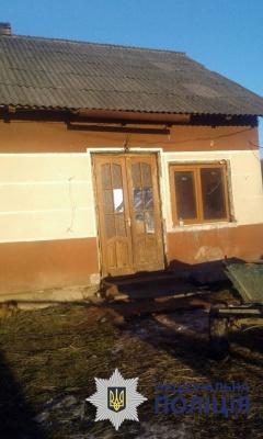 На Буковині поліція вилучила 5 дітей із родини, яка проживає у жахливих умовах