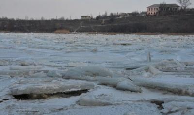 Штормове попередження. На Буковині на Дністрі продовжується льодохід