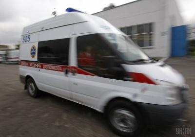На Львівщині пасажир випав із маршрутки під час руху: у чоловіка важкі травми голови