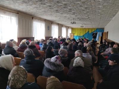 Привезли «тітушок»: у селі на Буковині невідомі заважали проведенню зборів релігійній громаді