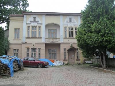 Зроблять торговий центр: архітектори дозволили перебудову історичного будинку у Чернівцях