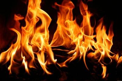 В Черновцах на пожаре в подвале спасли бездомного
