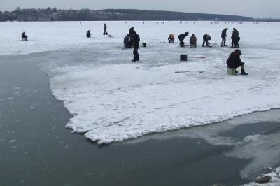 Синоптики предупредили о разрушении льда на реках Буковины