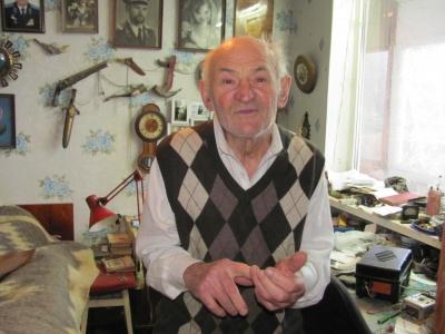 У Чернівцях пенсіонер хоче знайти хлопця, якого він колись врятував на озері