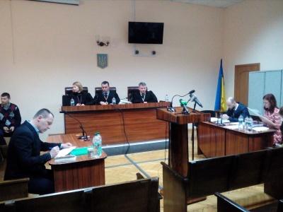 Суд відклав до понеділка позов Каспрука до міськради