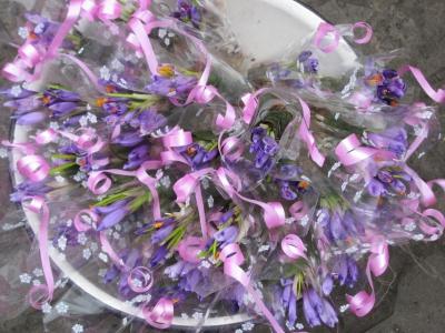 За букетик - 10 гривень: у Чернівцях вже продають першоцвіти - фото