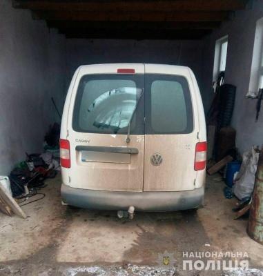 На Буковині поліцейські протягом години знайшли викрадений мікроавтобус