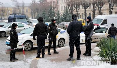 У поліції розповіли, чому охороняли Зеленського у Чернівцях