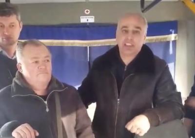 У Чернівцях перевізник публічно вибачився через водія, який побив учасника АТО – відео