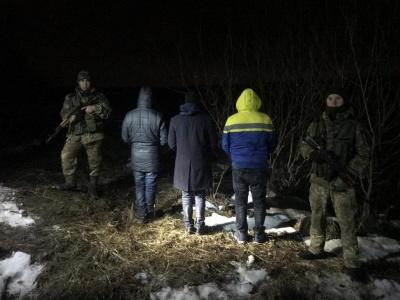 На Буковині затримали трьох мандрівників з Індії, які хотіли потрапити до Румунії