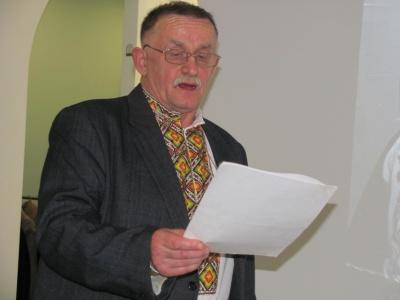 У Чернівцях відомий письменник Анатолій Томків презентував нову книгу «На перелазі» – фото