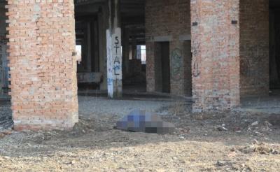 На Буковині двоє юнаків стрибнули з 7-поверхового будинку: один з них загинув