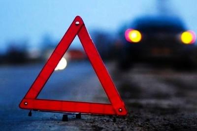 ДТП на Хотинській: п'яний водій врізався в електроопору