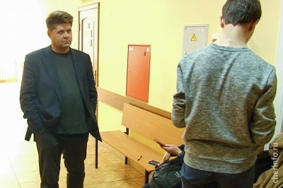 У Росії правозахисника зняли з поїзда і пообіцяли зламати йому ноги