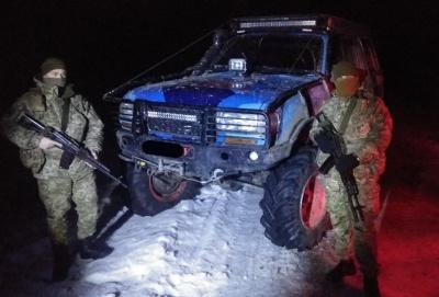 Стрілянина на кордоні: на Буковині прикордонники затримали шістьох порушників - фото