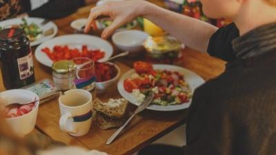 Як перестати заїдати стрес їжею