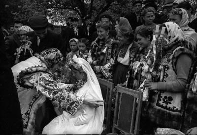 Яким було весілля на Буковині в 60-х роках: з'явились унікальні фото
