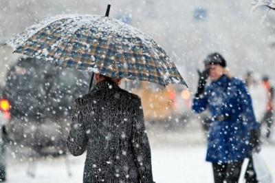 До Чернівців насувається мокрий сніг та різкий вітер