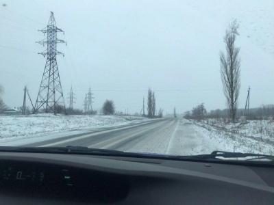 Сніг та місцями ожеледиця. У поліції розповіли про ситуацію на автошляхах Буковини