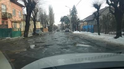 Депутат закликав водіїв вимагати у Продана компенсації за ремонт автівок